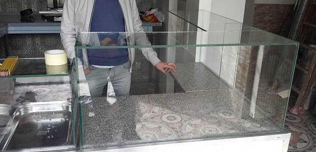 Skleněné vitríny - nábytek ze skla