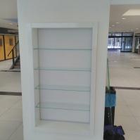 Skleněné vitríny - nábytek ze skla 14