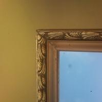 Zrcadla v rámu 16
