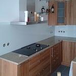 Barevné sklo Lacobel - obklady do kuchyně 17