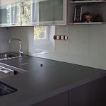 Barevné sklo Lacobel - obklady do kuchyně 23