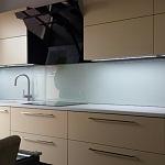 Barevné sklo Lacobel - obklady do kuchyně 3