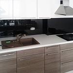 Barevné sklo Lacobel - obklady do kuchyně 8