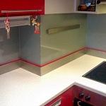 Barevné sklo Lacobel montáž - Metalac 18
