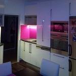 Barevné sklo Lacobel montáž - Metalac 35