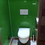 Barvené sklo Lacobel - toaleta 8