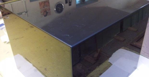 skleněný nábytek - stůl krychle